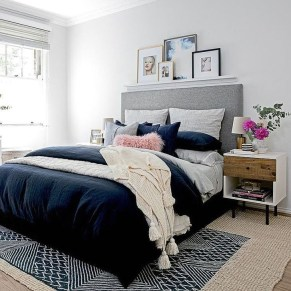 Lovely Bedroom Ideas With Beautiful Rug Decoration 39
