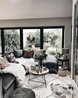 Small And Cozy Living Room Design Ideas To Copy 24