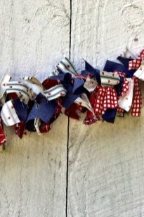 Super Patriotic Porch Independence Day Decoraion Ideas 34