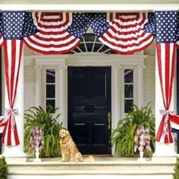 Super Patriotic Porch Independence Day Decoraion Ideas 45