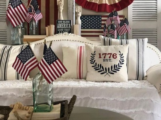 Unique Farmhouse Fourth July Decor Ideas That Inspire You 46