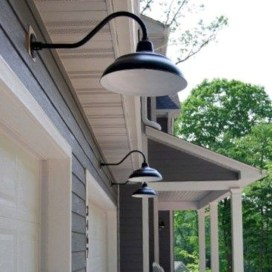 Classy Traditional Outdoor Lighting Ideas For Your House 11