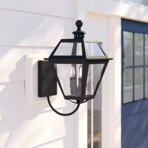 Classy Traditional Outdoor Lighting Ideas For Your House 46
