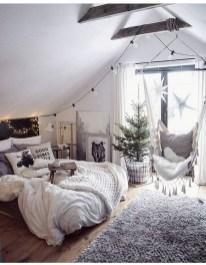 Comfy Attic Bedroom Design And Decoration Ideas 05