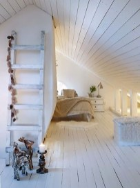 Comfy Attic Bedroom Design And Decoration Ideas 12