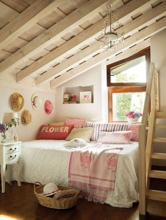 Comfy Attic Bedroom Design And Decoration Ideas 17