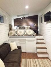 Comfy Attic Bedroom Design And Decoration Ideas 38