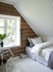 Comfy Attic Bedroom Design And Decoration Ideas 41