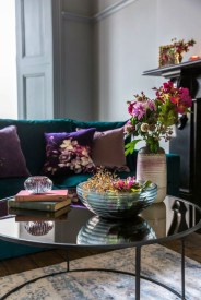 Cute Purple Living Room Design You Will Totally Love 19