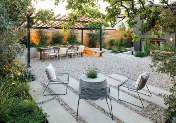 Impressive Seating Area In The Garden For Decoration 01