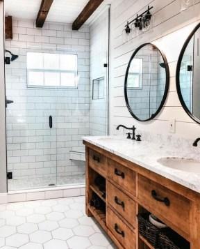 Inspiring Bathroom Decoration Ideas With Farmhouse Style 07