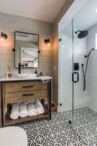 Inspiring Bathroom Decoration Ideas With Farmhouse Style 32