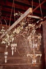 Magnificient Farmhouse Ladder Chandelier Ideas 18