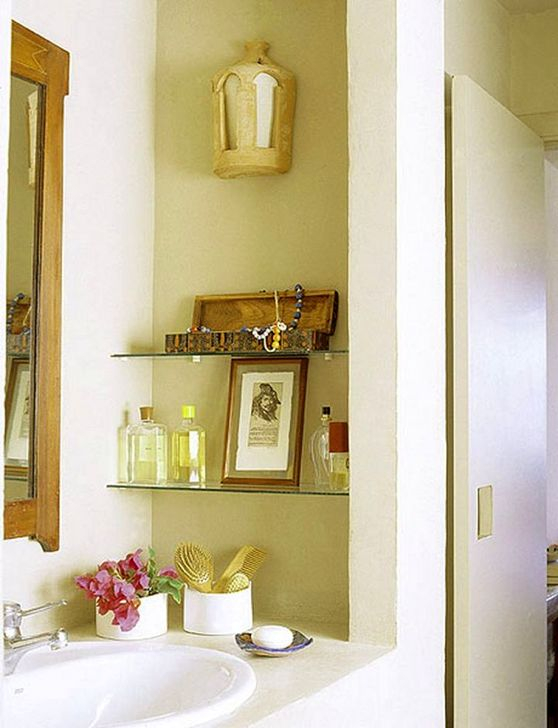 Perfect Glass Shelves Ideas For Bathroom Design 10