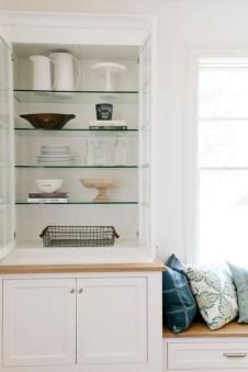 Perfect Glass Shelves Ideas For Bathroom Design 22