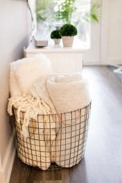 Romantic DIY Couple Apartment Decoration Ideas 17