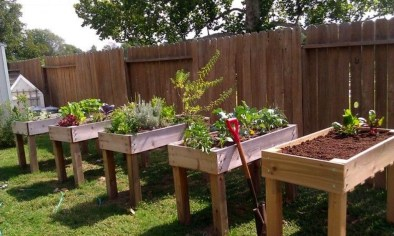 Stunning DIY Garden Bed To Beautify Your Backyard 29