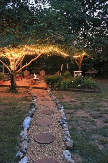 Astonishing Outdoor Lights For Decorating Backyards In Summer 13