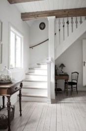 Brilliant Stair Design Ideas For Small Space 11