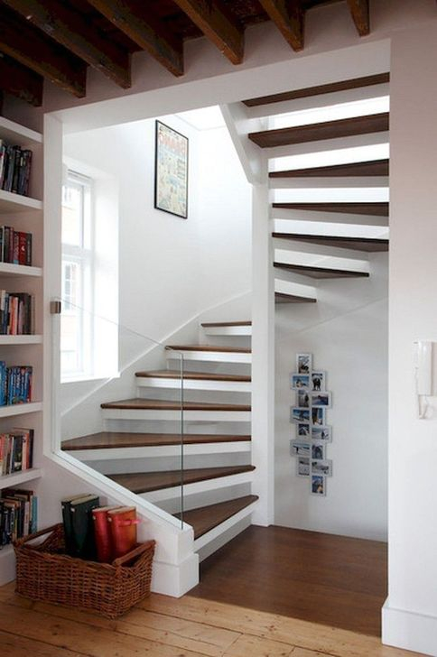 Brilliant Stair Design Ideas For Small Space 49