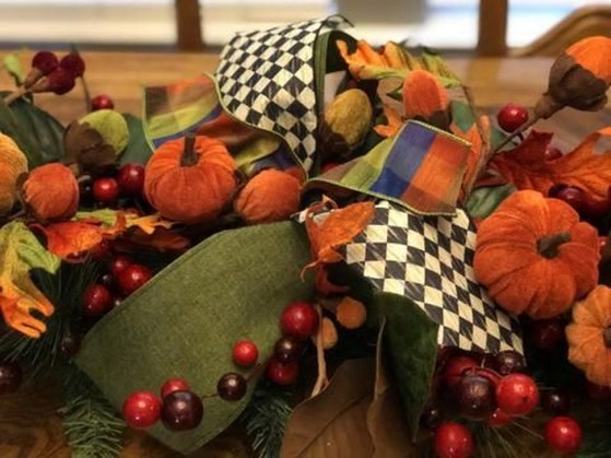 Easy And Simple Fall Garland Decoration Ideas 06