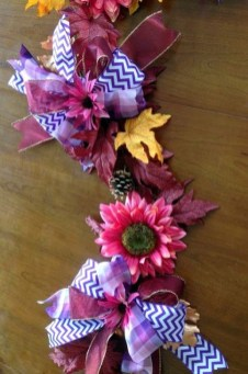 Easy And Simple Fall Garland Decoration Ideas 14