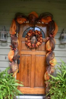 Easy And Simple Fall Garland Decoration Ideas 30