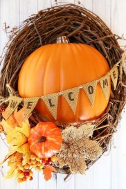 Easy And Simple Fall Garland Decoration Ideas 44