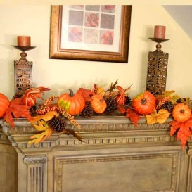 Easy And Simple Fall Garland Decoration Ideas 45