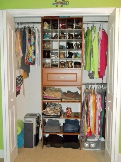 Elegant Wardrobe Design Ideas For Your Small Bedroom 26