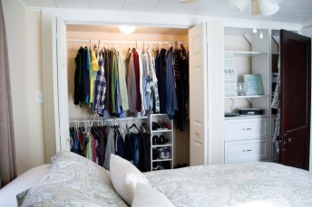 Elegant Wardrobe Design Ideas For Your Small Bedroom 27