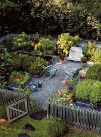 Extraordinary Vegetables Garden Ideas For Backyard 04