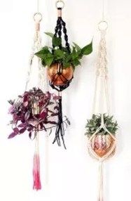 Inspiring DIY Vertical Plant Hanger Ideas For Your Home 03