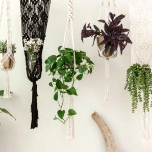 Inspiring DIY Vertical Plant Hanger Ideas For Your Home 11