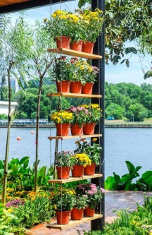 Inspiring DIY Vertical Plant Hanger Ideas For Your Home 20