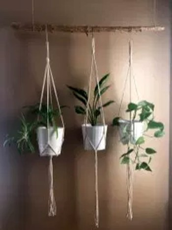 Inspiring DIY Vertical Plant Hanger Ideas For Your Home 38