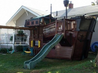 Marvelous Outdoor Playhouses Ideas To Live Childhood Adventures 57