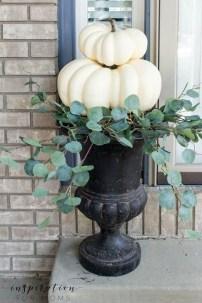 Modern Fall Decor Inspiration To Transform Your Home For The Cozy Season 40