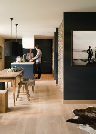 black-kitchen-cabinets-with-oak-floor