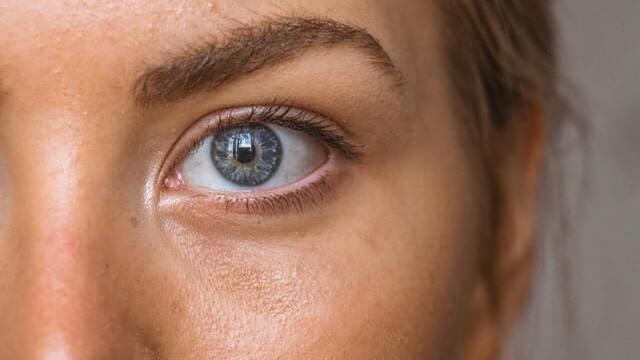 左目の画像