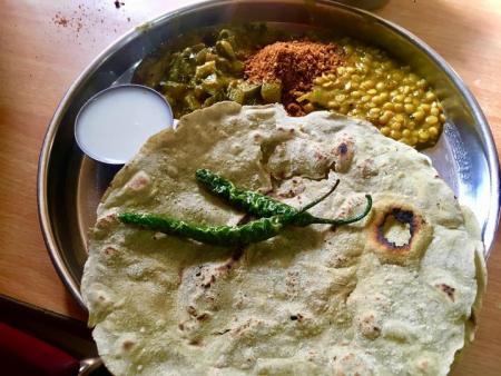 ಸಜ್ಜೆ ರೊಟ್ಟಿ ಮಾಡುವ ಬಗೆ recipe of making sajje(pearl millet) rotti