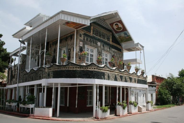 ಗಾಂಜಾದ ಬಾಟಲ್ ಹೌಸ್ Bottle house