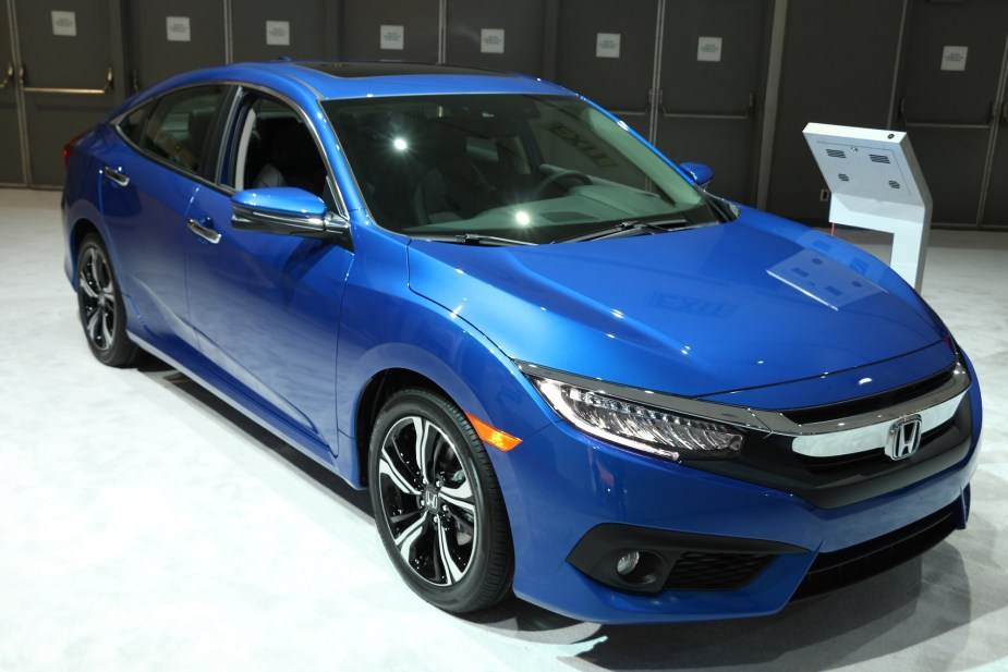 Honda-tech.com 2018 2017 LA Los Angeles Auto Show Honda Accord Civic Si Type R Odyssey Pilot CR-V HR-V Fit Sport FCX Clarity Hybrid Hydrogen Electric IndyCar