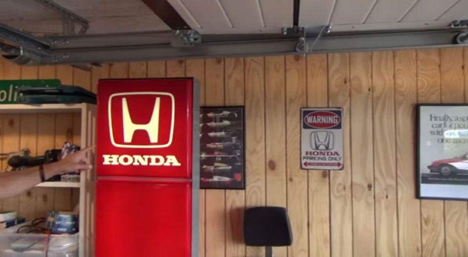 Red Honda Signage