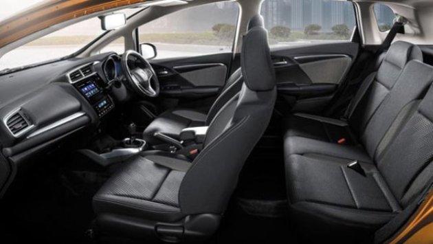 2020-Honda-WR-V-Interior