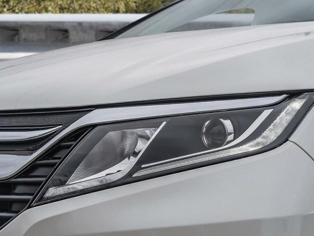 2022 Honda Odyssey front
