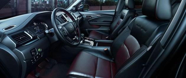 2021 Honda Pilot Black Edition seats