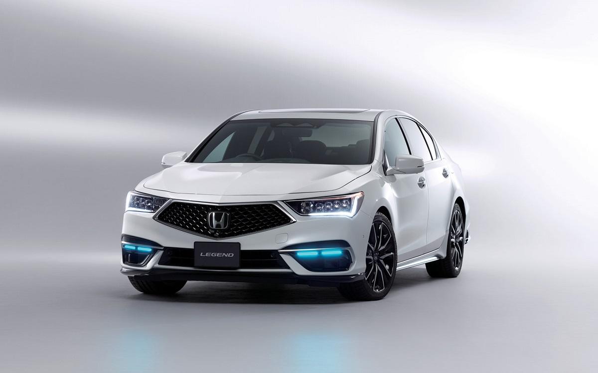 2022 Honda Legend Hybrid EX front