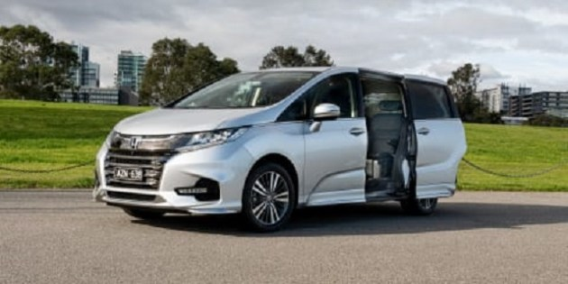 2022 Honda Odyssey Touring side