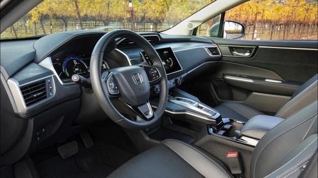 2023 Honda Clarity interior